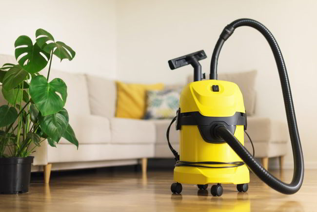 Move Out Cleaning Checklist: Vacuum Everywhere